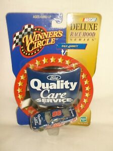 *NIP* Winner's Circle #88 Quality Care 2000 Ford Taurus - Deluxe Race Hood 1:64
