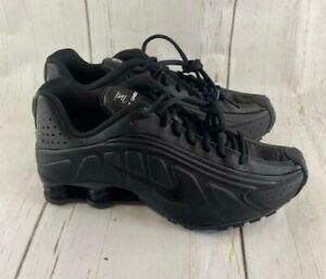 Nike Shox R4 GS Triple Black Running BQ4000-001 Youth Size 7Y / Women's Size 8.5