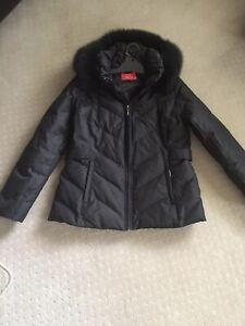 Designer : Oscar de la renta Fox Fur Trimmed Hooded Coat M