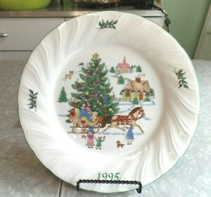 "NIKKO ""HAPPY HOLIDAYS"" 3rd EDITION 1995 ""JINGLE BELLS"" COLLECTORS PLATE"