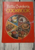 Vintage Betty Crocker's Cookbook 1973 Red Pie Cover Hardcover Golden Press 18th
