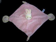 Doudou carré plat rose Lapin écru avec bonnet Gipsy empreintes