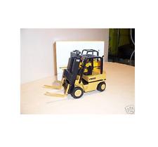 1/25 NZG Caterpillar Cat V50D Chariot élévateur 510 UR1 micro