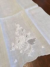 Vintage Madeira Hand Embroidery Linen Guest Towel/Floral w/Scallops