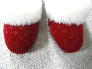 CLARKS  LADIES SLIPPERS  SIZE 3   WINE VELOUR   CHRISTMASSY  NEW IN BOX