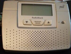 RADIO SHACK Realistic NOAA Bedside Weather Alert Radio Alarm Clock 929536