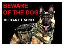 Attenzione al cane-Militare addestrato-laminato segno Divertente