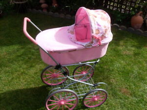 Vintage Style Carriage Dolls Pram In Good Condition