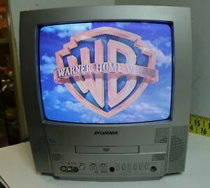 """Vintage 2005 Color Sylvania Television TV / DVD Combo 6513DF 13"""" CRT Gaming (H)"""