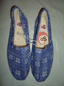 SO WOMENS BLUE WHITE SNOWFLAKES SLIP-ON FUR HOUSE SLIPPERS SHOES 7 8 9 10 $44