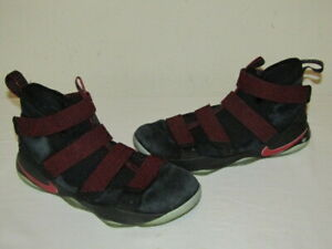 Nike Lebron James Soldier XI 11 Mens Shoes Size 11 Black Red Stardust 897644-008