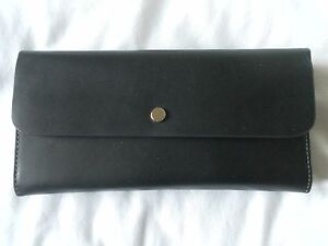 NEW AUTH FOSSIL OC  CLUTCH BLACK AND WHITE WOMENS WALLET ORG PRICE $148