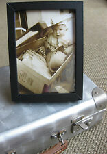 Photo presse vintage humour bébé dans une valise départ vacances été 1963