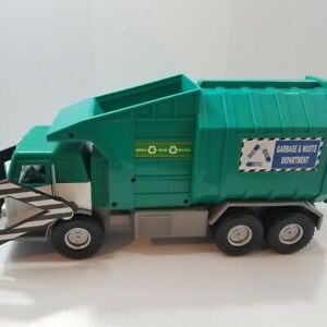 TONKA GARBAGE AND WASTE DEPARTMENT TRUCK RECYCLE LIGHTS UP TALKING MOTORIZED