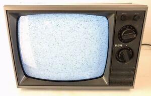 "RCA VINTAGE TELEVISION SET 12"" B&W TV RETRO BWT122W with RCA Adapter Digital"