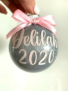 PERSONALISED CHRISTMAS BAUBLES  / CUSTOM GIFTS/ ORNAMENTS / CHRISTMAS / GIFTS