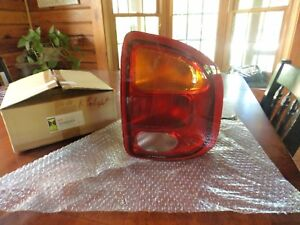 99-01 ISUZU VEHICROSS  RIGHT TAIL LIGHT OEM