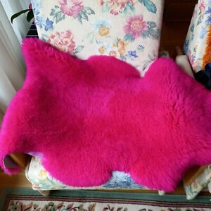 Genuine Sheepskin Rug fuchsia 39'x 28'