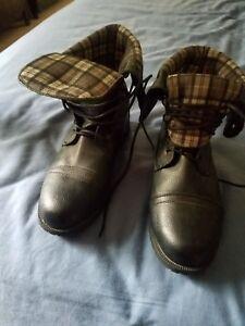 black plaid lace up boots