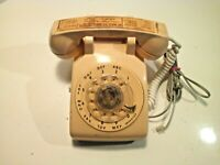 Vintage Stromberg Carlson ITT Rotary Decktop Phone Beige
