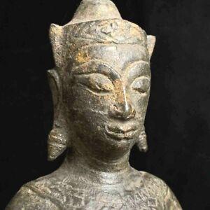 Large 17th c bronze Southeast Asia Thai Ayutthaya period crowned Buddha