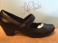 NIB Life Stride Mary Jane Heels Size 8.5 Black