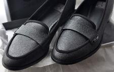 chaussure mocassin femme T 40 marque Calvin Klein juste essayé jamais porté