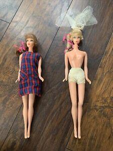 lot of two vintage talking Barbies Mattel
