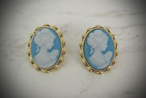Elegant blue and white oval cameo earrings in a gold frame setting - New