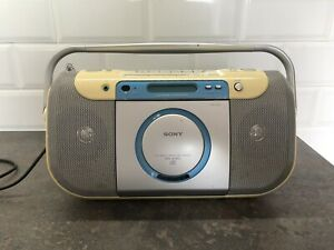 Sony CFD-E100L CD Radio Cassette-Corder Boombox System Portable - CD/Radio/Tape