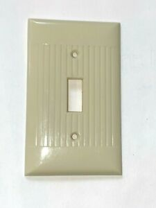 Vintage Ivory Sierra Ribbed Bakelite Toggle Wall Plate Cover