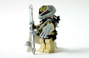 LEGO PREDATOR Custom Minifigure + Weapons MOC Official Parts