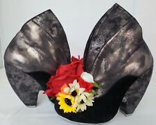 Irregular Choice LOOKING FOR LOVE black booties w/ flowers on toes EU 37 US 6.5