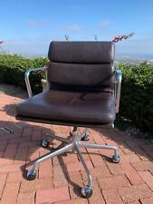 COLLECTIBLE Vintage Leather Herman Miller Eames Soft Pad Management Chair