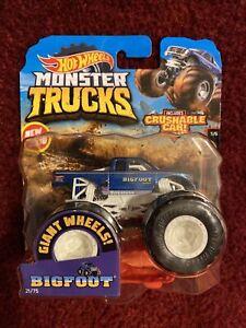 2019 Hot Wheels Monster Trucks BIGFOOT GIANT WHEELS Connect and Crash
