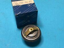 Mercedes W114 W115 Strich 8 /8 Thermostat Coolant 1152000615 Genuine NOS
