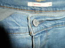 NEW WITH TAGS=WOMENS LEVI STRAUSS & CO. BOYFRIEND JEANS -MID-RISE-SIZE 32
