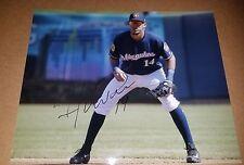 Hernan Perez Brewers signed 8x10 photo