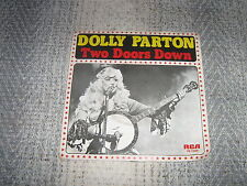 DOLLY PARTON 45 TOURS HOLLANDE TWO DOORS DOWN
