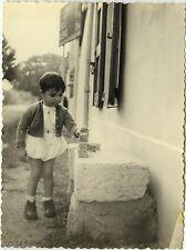 PHOTO ANCIENNE - VINTAGE SNAPSHOT - ENFANT JOUET JEU CUBES MODE - CHILD TOY 1954