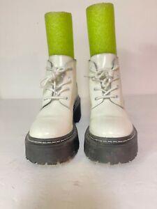 STEVE MADDEN LARKIN/LARKO Women White Leather Fashion Boots Sz 6.5M