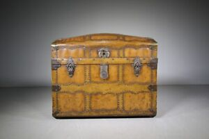 19th Century English Antique Travelling Trunk Dated 1884