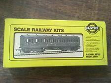 Ratio 711 LMS (Ex Midland) Suburban All 1st Coach 7 Comp Plastic Kit 00 Gauge