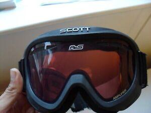 Scott Teen Ski / Snowboard Googles UV protection Lens/Light Amplifier & Anti-fog