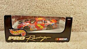 New 1997 Team Hot Wheels Pro Racing 1:43 Diecast NASCAR Terry Labonte Kellogg's