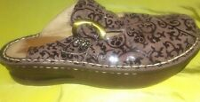 WOMENS SHOES CLOGS White Mountain Brown Leather 2 Tone Paisley  Size 6.5 M  GUC