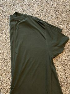 Lululemon All Yours Boyfriend Tee (CROPPED) Size 4 - Army Green