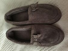Beautiful ladies taupe slippers with polka dot bow