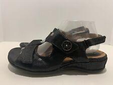 CLARKS Black Leather Snake Skin Print Ankle Strap Sandals Size 8.5 Womens