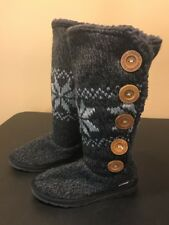 i21 Mukluks Women Size 7 Snowflake Textile Button Side Boot House Slipper Gray